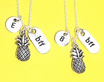 Sale,Set of 2 Best Friend Necklace, Pineapple Charm, BFF necklace,sister, mother daughter, friendship jewelry, friends,Silver Friends