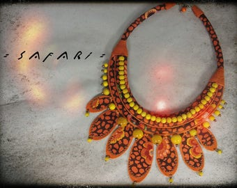 Necklace SAFARI fabric in predominantly orange and brown - orange leather, wood beads