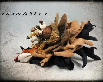 Brooch or bag charm nomads - Brown and black fabric, leather, wool felt, Cocoon silk and wooden beads, metal.