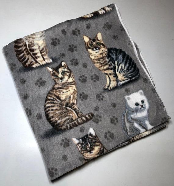 ZooFleece Cute Cats Kitten Polar Fleece Oversized 60X68 Blanket Quilt Throw Linen Comfortable Best Friend Gift Birthday