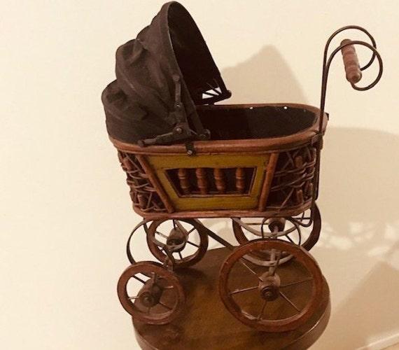 Piccole dimensioni-stile vintage in vimini in legno a mano bambole CARROZZINE-handmade