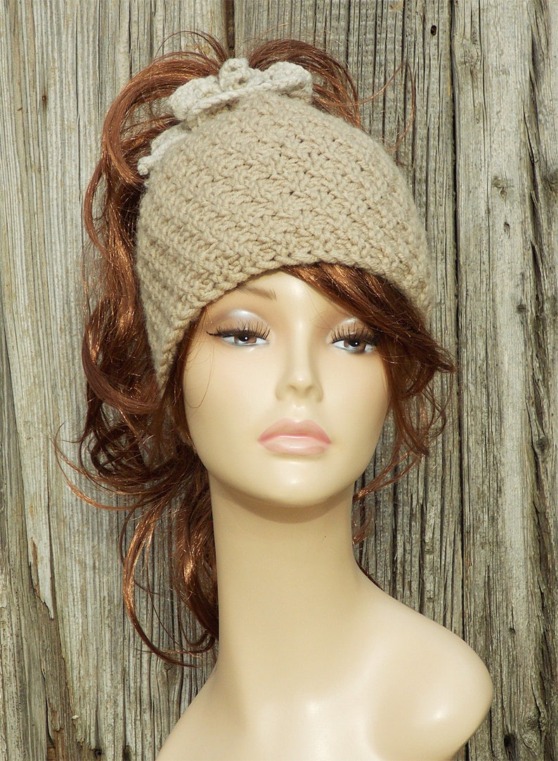dbcf1339c0137 Ponytail hat Ponytail knitted hat Hat with hole Chunky