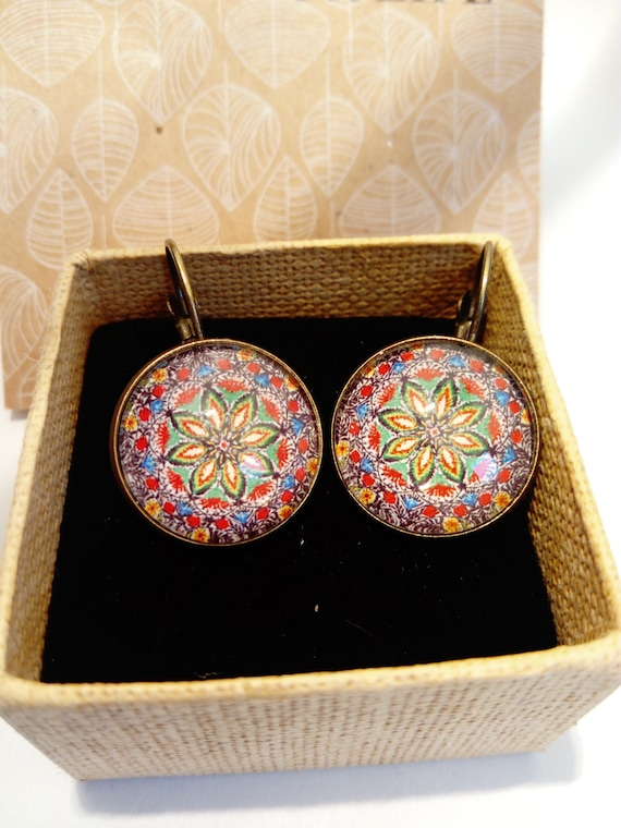 Stud Earring Pair with Cabochon Picture New Years Eve 2018 bronze different sizes