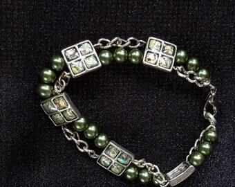"7"" Green Double Strand Bracelet"