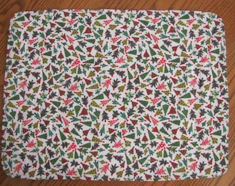 Tiny Christmas tree design placemats - Reversible & Machine quilted