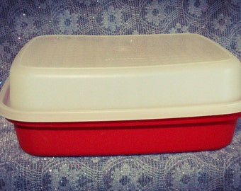 Tupperware 1294-1  Meat Tenderizer Container*** PreOwned and Well Cared For...Excellent Condition
