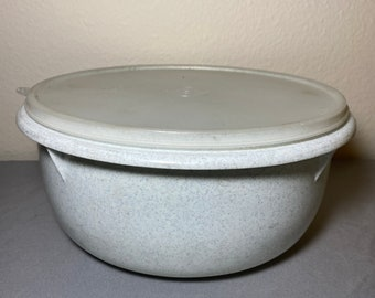 vintage 6 Tupperware Frosty  crystal White  Nesting Measuring CUPS set 9F10