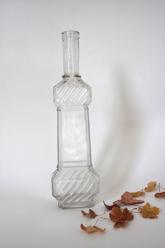 Vintage bouteille verre France décoration maison vin carafe eau table bucolique collection vase années 40 brocante français cuisine décanter