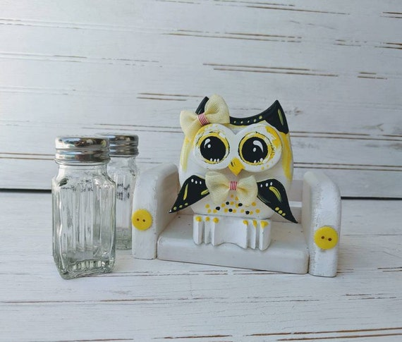 Owl Salt & Pepper Set, Gifts for the Kitchen/Owl Lover ready to ship @ ApronStringsOwlLady