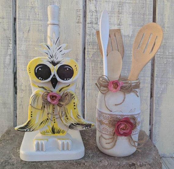 Paper Towel Holder,Owl decor,wooden towel holder,owl kitchen,owl bathroom,kitchen storage,bird decor,woodsy decor