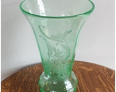 M4287 Antique 1930's Depression Era Green Acid Cut Flower Vase - Large