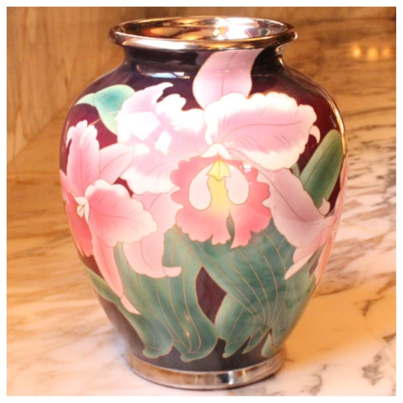 M5938 Vase image 0
