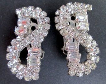 Vintage Emerald Baguette Cut Claw Set Clear Rhinestone Clip On Earrings S Shaped Sparkly Prom Wedding Gala Glam