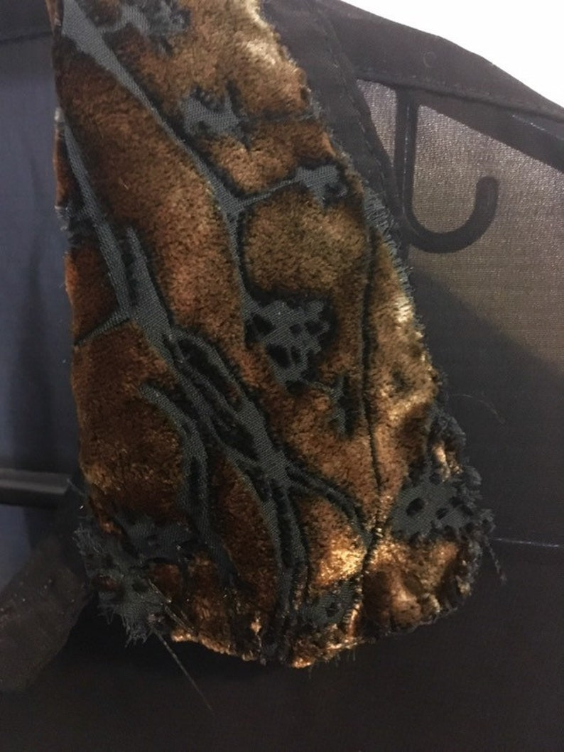 Ciffon shirt with velvet detail
