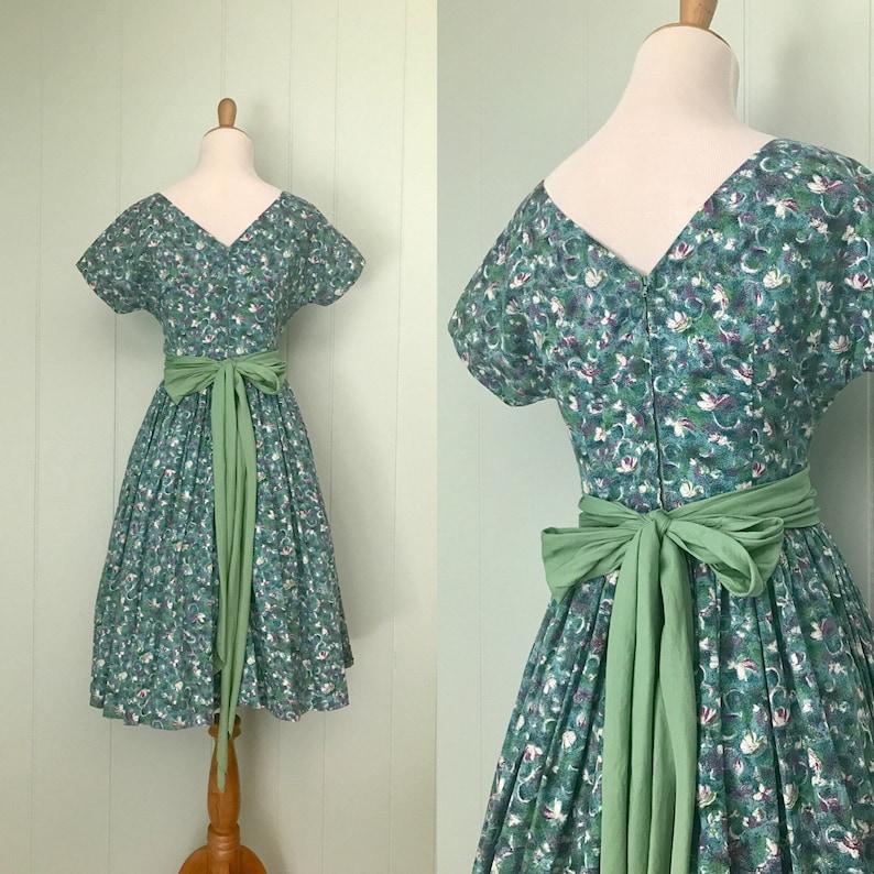 50s Short Sleeve Fit and Flare Dress 1950s Impressionist Blue Purple Floral Cotton Party Dress Vintage Scoop Neck Green Wrap Belt Dress
