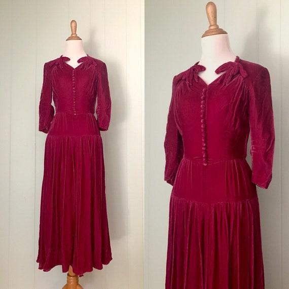 1940s Dark Raspberry Pink Velvet Cocktail Dress |