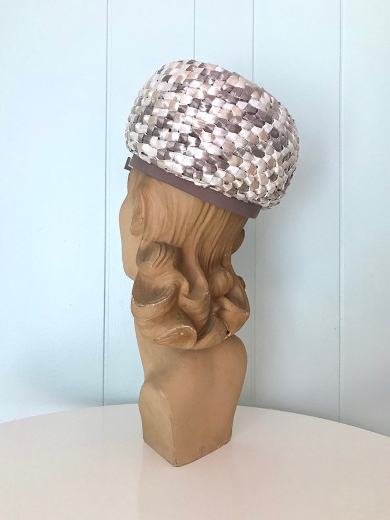 Vintage Grosgrain Ribbon Trim Double Bow Accesory 60s Woven Straw Topper 1960s Grey and Cream Raffia Large Bubble Hat