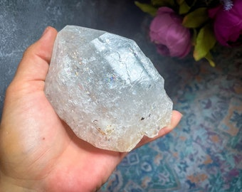 big herkimer style quartz diamond with rainbows from Pakistan