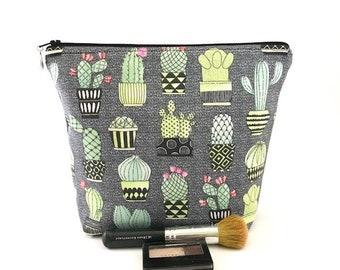 Cactus Bag, Cactus Makeup Bag, Cactus Cosmetic Bag, Large Makeup Bag, Succulent Makeup Bag,  Zipper Bag, Gift for Women