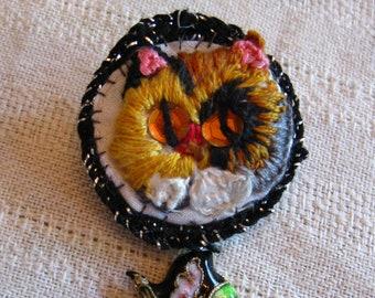 Calico Kitty Stumpwork Embroidered Pin