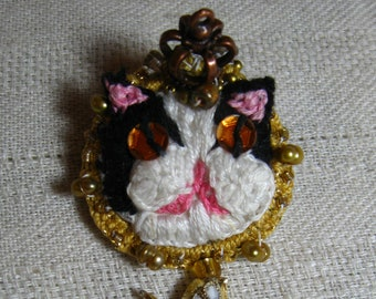 Tuxedo Cat Stumpwork Embroidered Pin