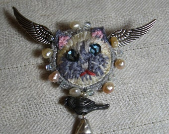 Blue Point Siamese Cat Stumpwork Embroidered Pin