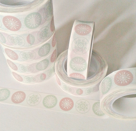Pale Red and Green Snow Flake Washi Tape - for your Planner, Midori Insert, Travelers Notebook, Planner Craft, Gift Wrap - WT020