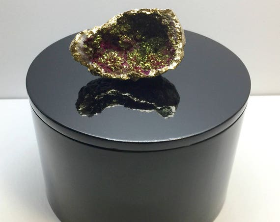 Round Black Lacquer Box with Maroon Moroccan Druzy Geode, Geode Storage Box,Gemstone Jewelry Box,Geode Display Box,Luxe Decor Gift