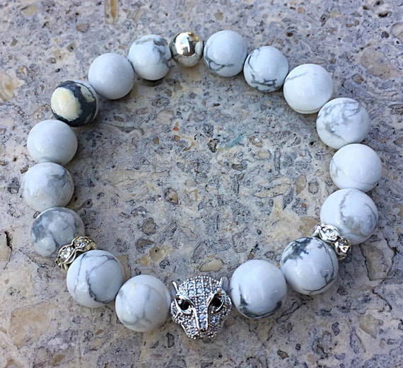 White Howlite stone beaded bracelet, crystal leopard head,white turquoise jewelry, men's or women's bracelet, big cat, tiger, leopard