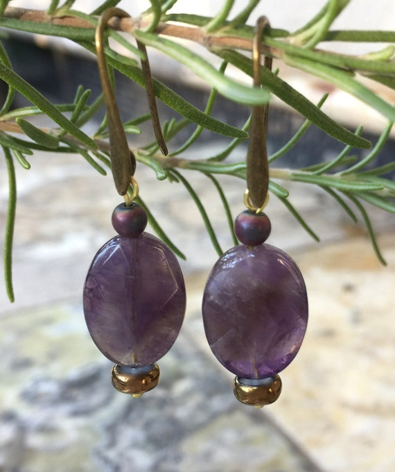 Oval Amethyst Earrings, Gold Gemstone Earrings, Antique Bronze Earrings, Amethyst Dangle Earrings, Purple Gemstone Jewelry, Purple Earrings