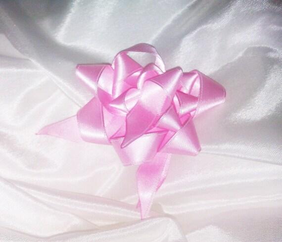 Broche ou bijoux de cheveux • en forme de fleur/étoile • en ruban de satin • coloris rose • mariage, demoiselle d'honneur, fête, idée cadeau
