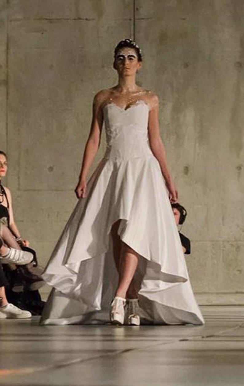 89213c645c5 Robe de mariée taffetas et dentelle blanc nacré bustier cœur