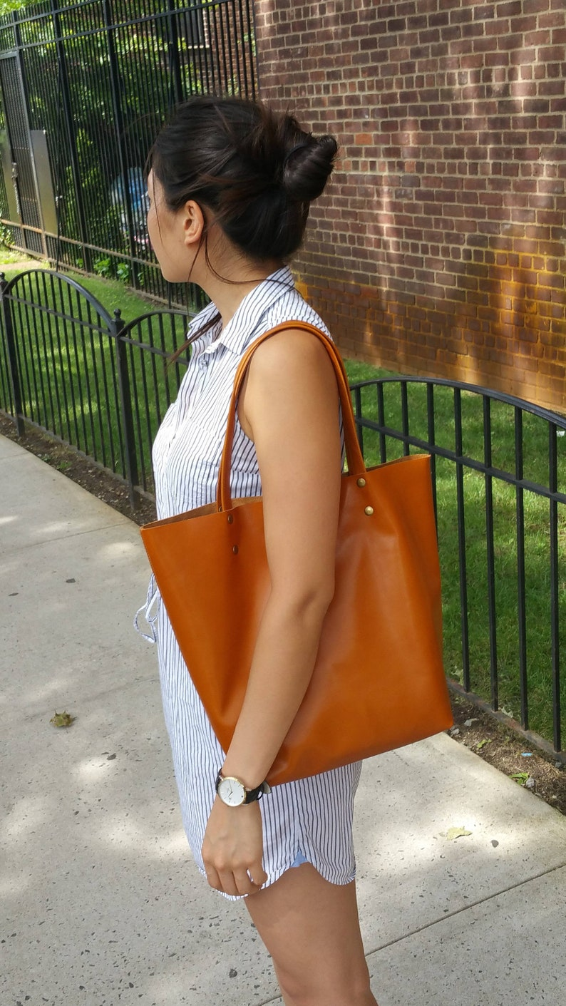 b56d3cb5c04b SALE Broadway shopper bagbrown Italian leather womens | Etsy
