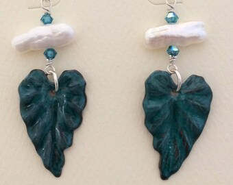 Enamel Leaves with Stick Pearl