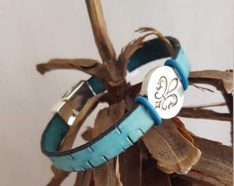 Leather Aqua Bracelet trimed in silver