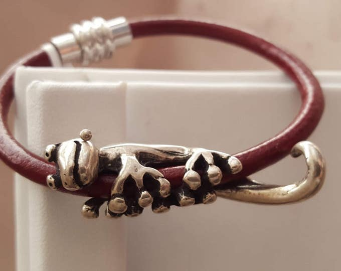Deep Red Leather Bracelet with Lazy Gecko