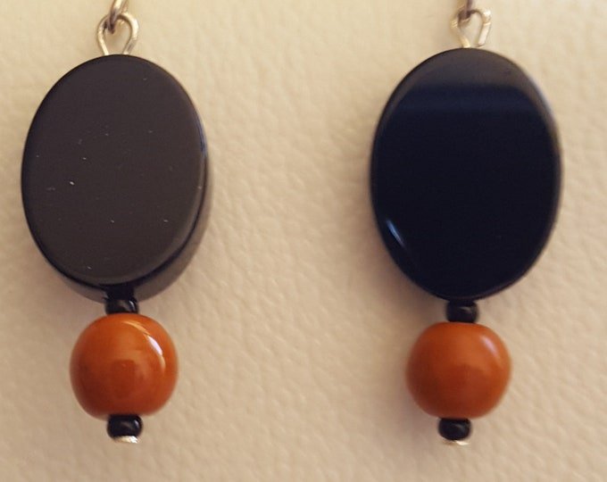Oval Onyx and Rust Bead Earrings