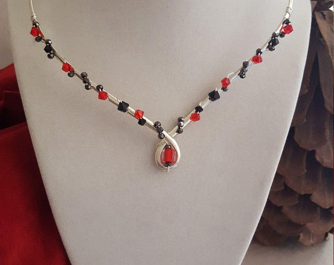 Red and Black Collar Necklace