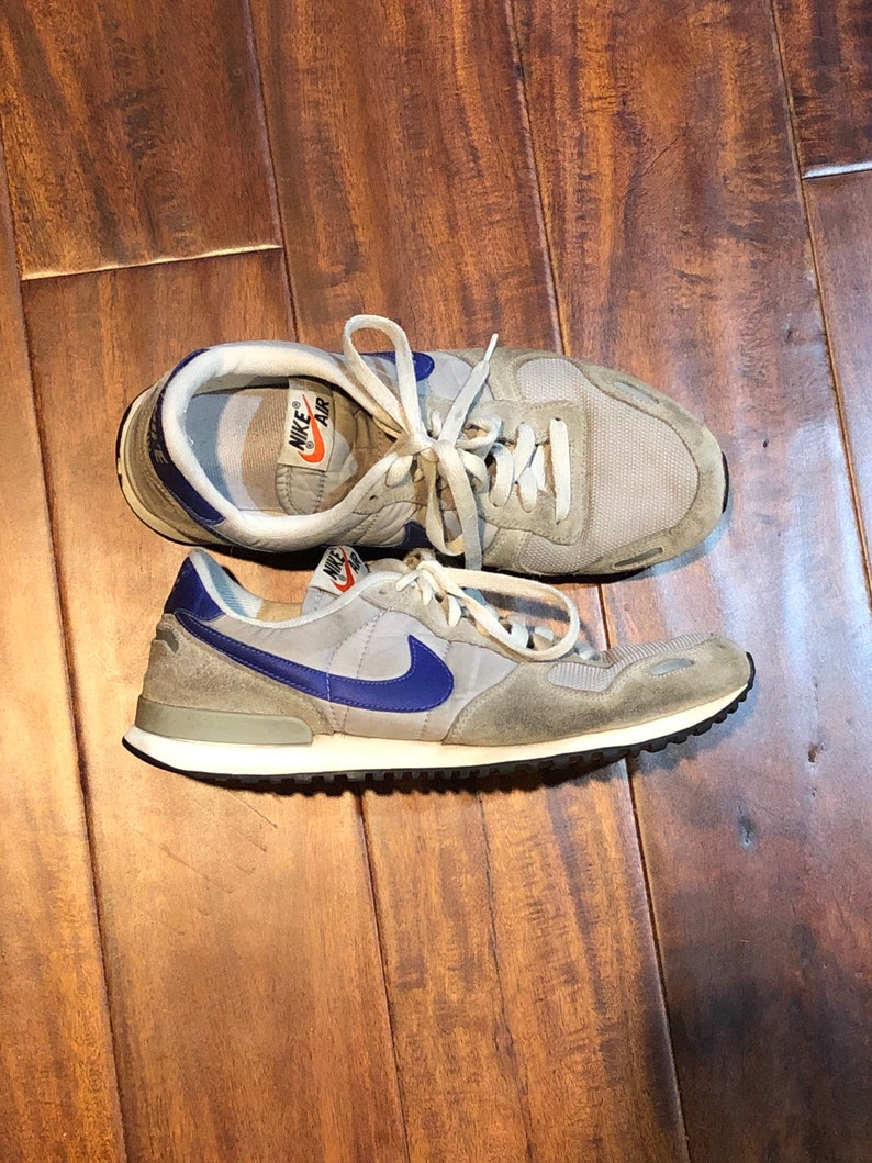 quality design 88596 8e254 Nike Air jogging shoes vintage 1990 s size 8 grey and   Etsy