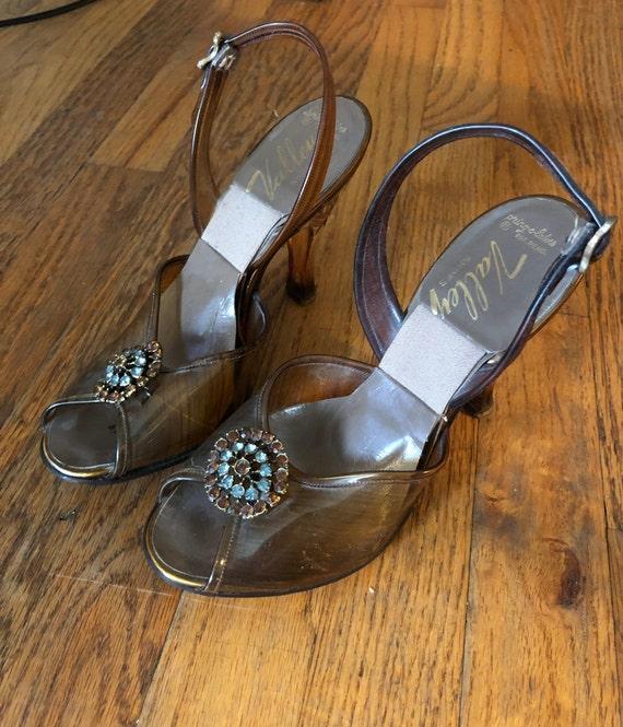 SALE! Vintage 1950s Valley springolator heels brow