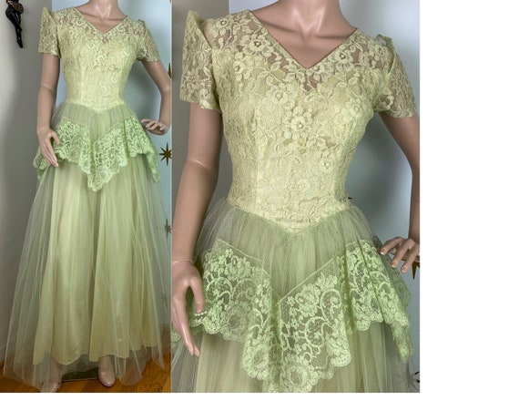 Vintage 1950s pastel green lace tulle cupcake part