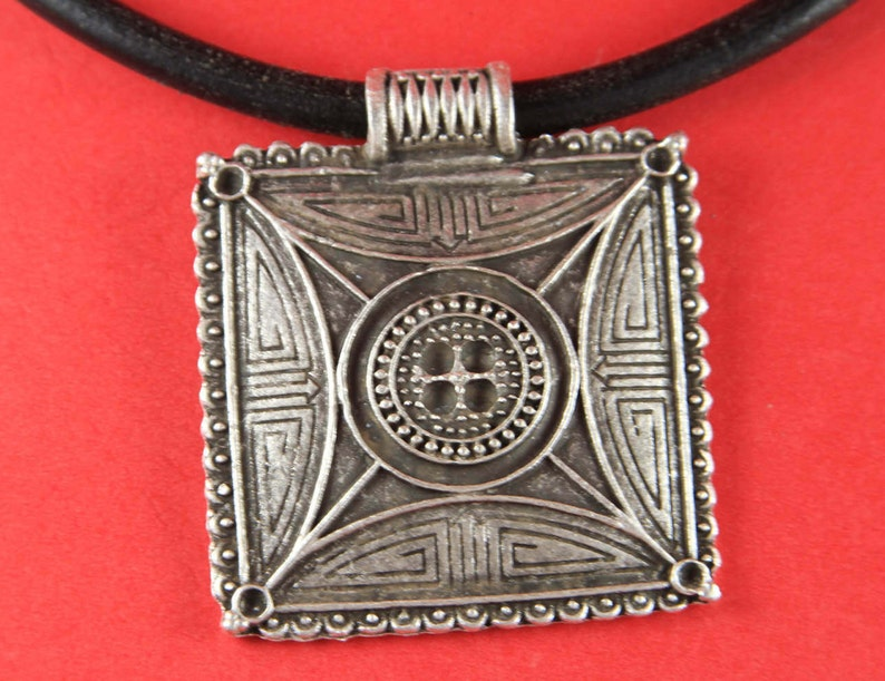 Qty1 tribal pendant 0147 MADE IN EUROPE large silver pendant B1769AS ethnic pendant