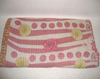 Queen kantha quilt, kantha throw, vintage kantha quilt, blanket, indian throw, reversible, floral kantha bedspread, Bedding E1888