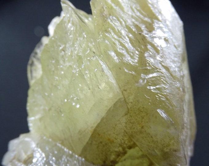 1 Lb, 9 Oz Etched Lemon Calcite Specimen