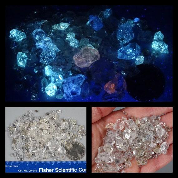 "Diamond"" Quartz Lot - 38 grams - Some Fluorescent with 365 nm Long Wave UV"