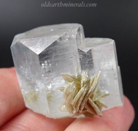 Aquamarine Crystal Cluster with Muscovite Mica
