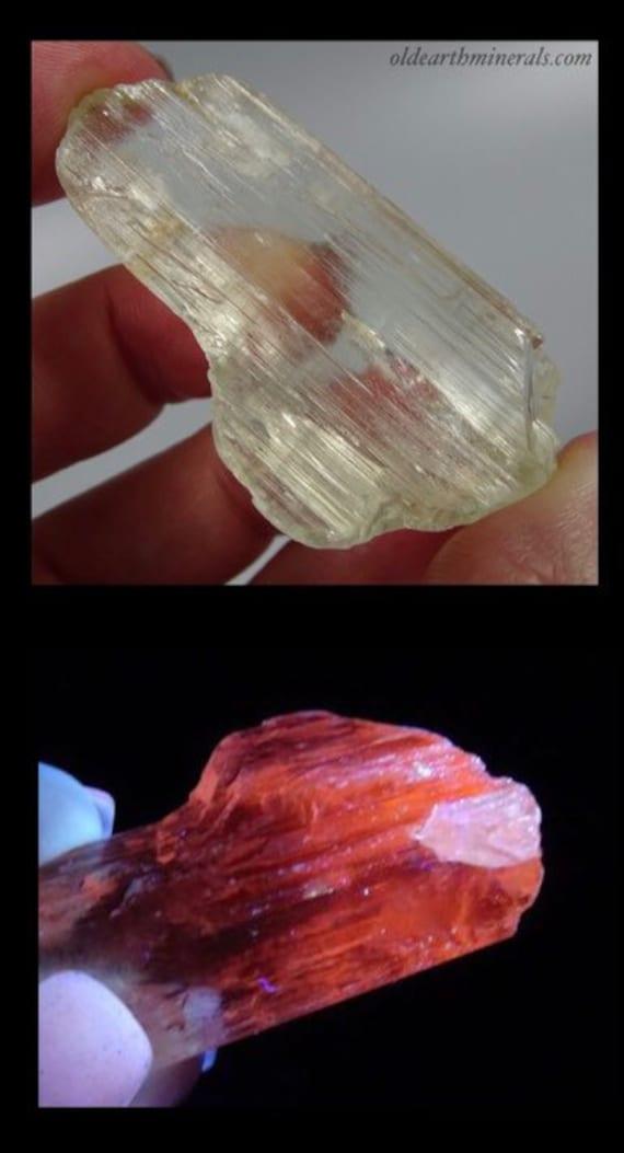 UV Reactive Light Yellow Triphane Spodumene Crystal