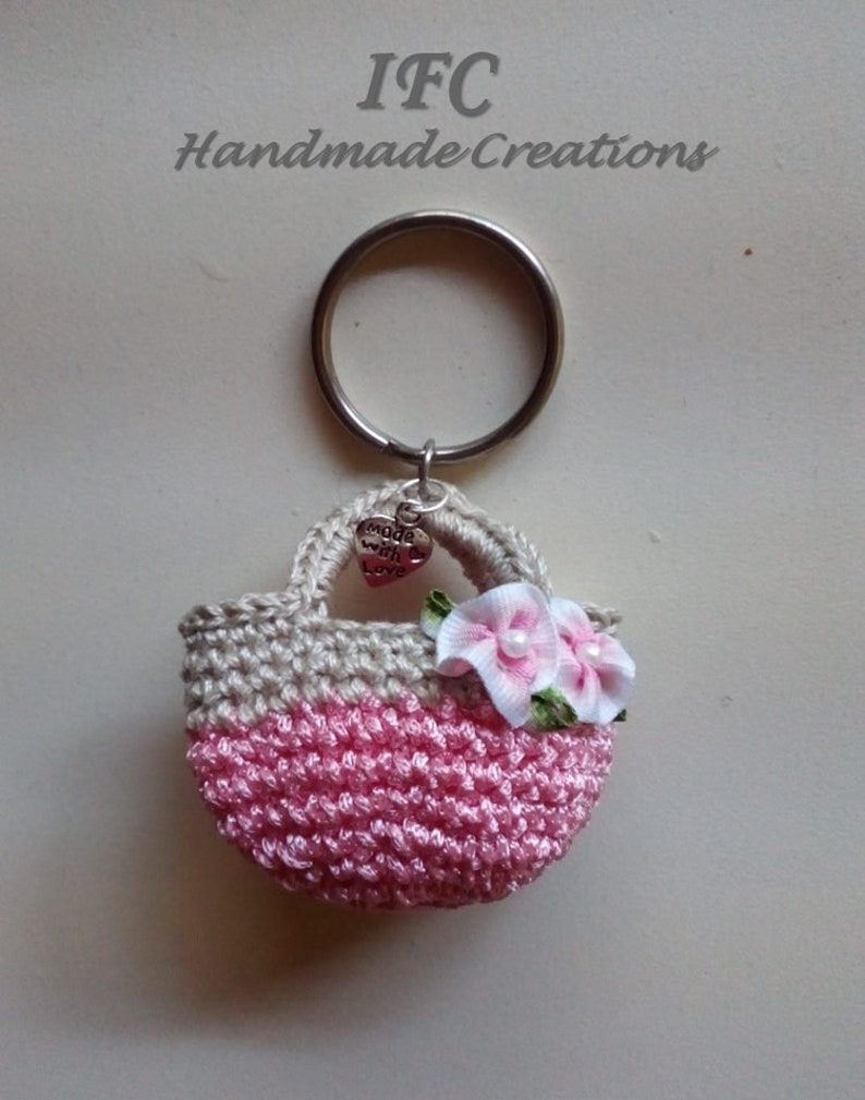 c93dc14ab10 Handmade crochet miniature purse key chain / Πλεκτό | Etsy