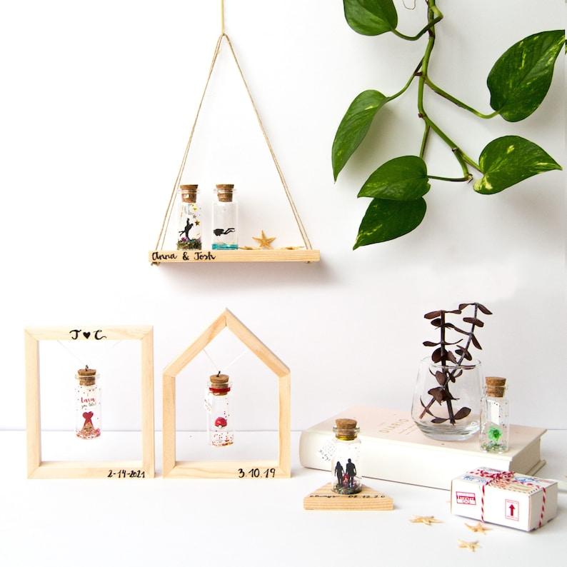 Display your bottle. Floating frame wood handmade. Swing. image 0