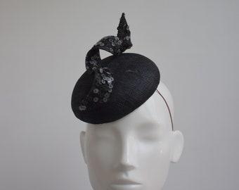 Cappello pillbox da donna per matrimoni con veletta feste eventi decorato con fiore